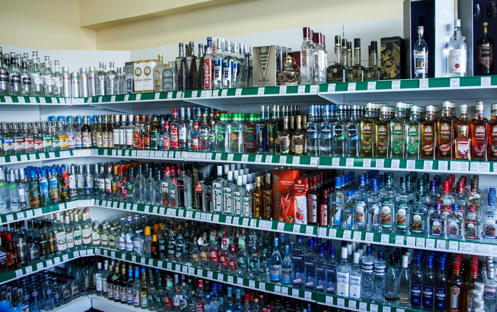 unethical alcohol companies Alcohol advertising is banned on broadcast and print media in india but we can find manufacturers of alcohol advertising for soda, in an effort to keep the brand name afresh in the minds of the consumers.
